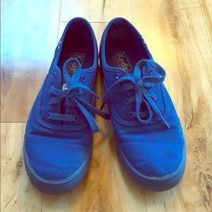 Awesome blue Keds